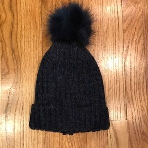 Pom Pom wool hat, navy with faux fur and zipper